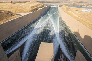 Spillway of the Mosul dam reopen Trevi spa
