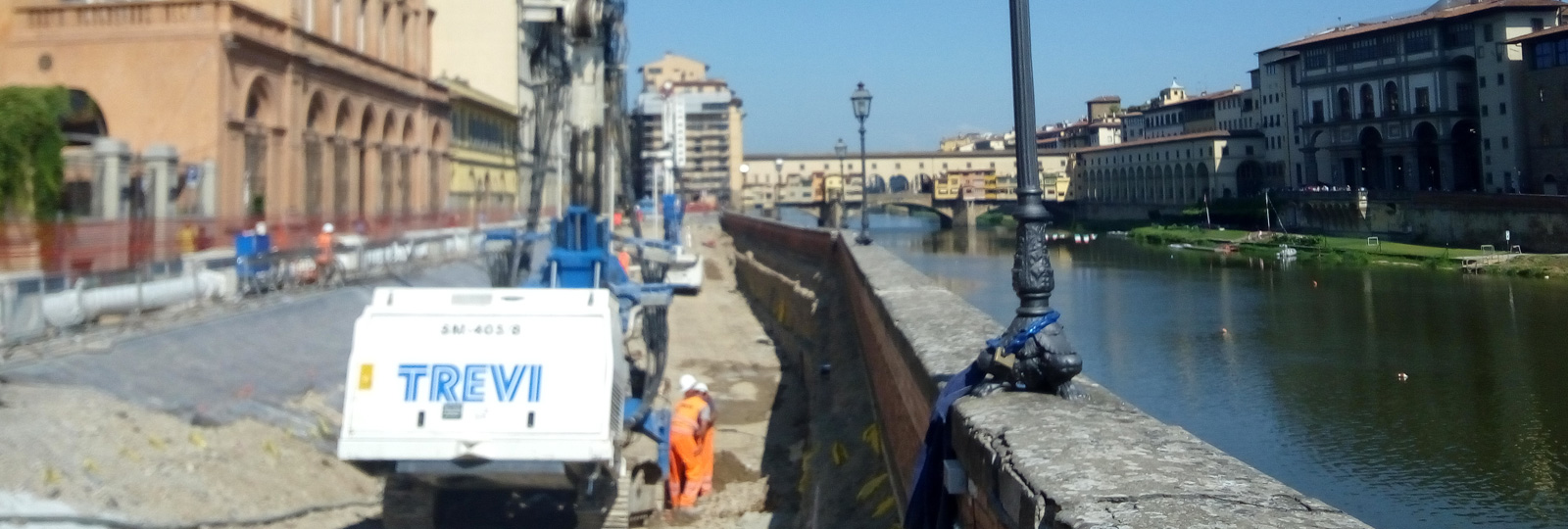 "Embankment protection works for ""Lungarno Torrigiani"""