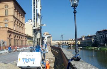 "Embankment protection works for ""Lungarno Torrigiani"" Trevi spa"