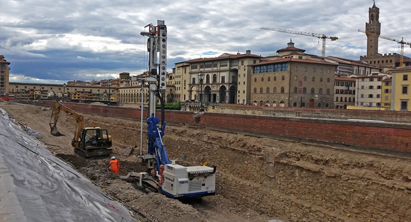 "Embankment protection works for ""Lungarno Torrigiani"" 