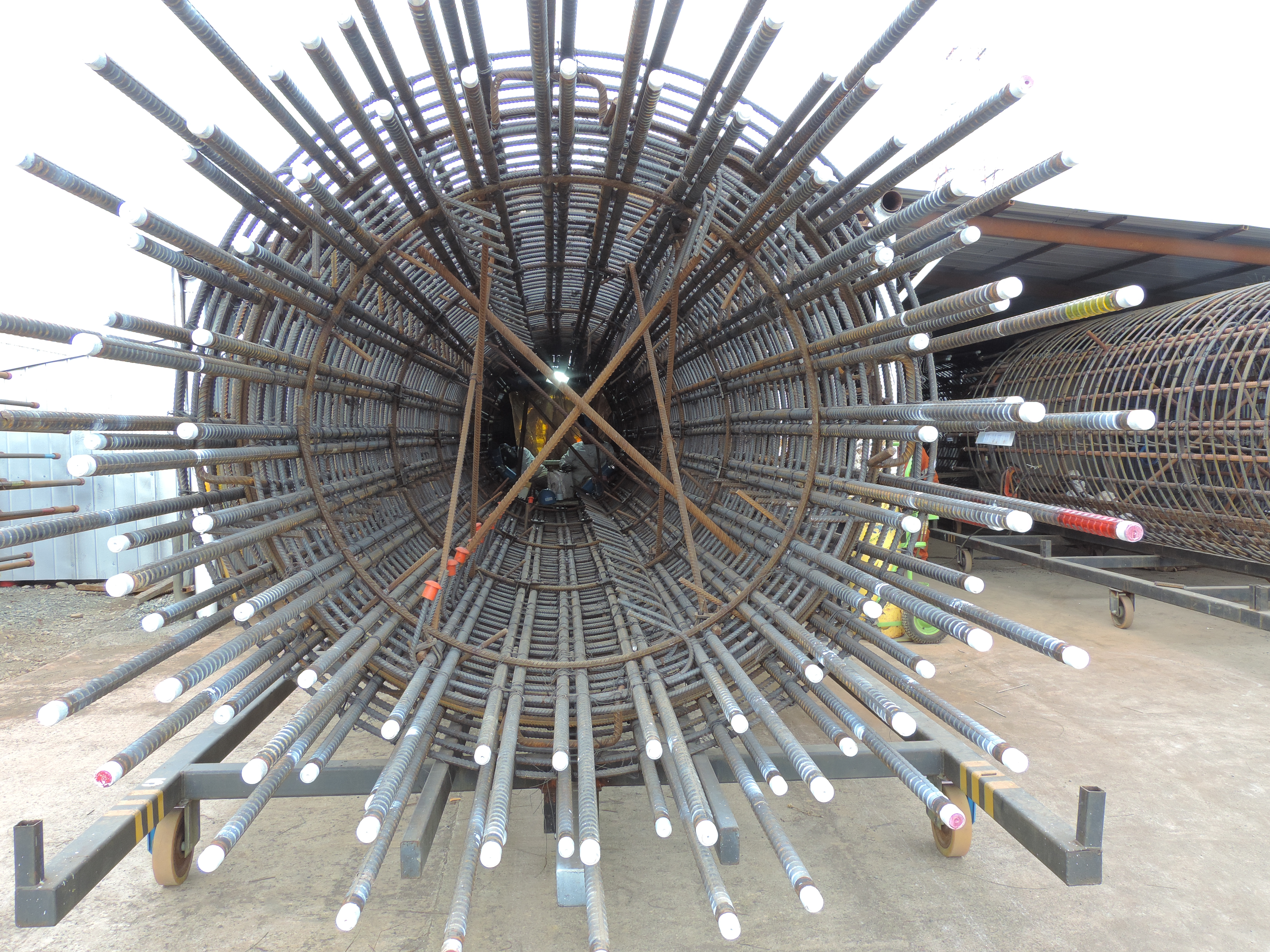 Trevi Chile Spa: assembly of the reinforcement cages and welding of steel casings | Trevi 2